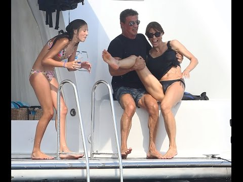 Unseen Sylvester Stallone and his three daughters 2016