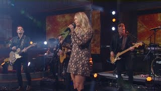 Watch: Miranda Lambert performs on Thanksgiving