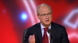 """Robert Gustafsson: """"Man engagerar sig politiskt för att få ligga"""" - Parlamentet (TV4)"""