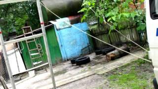 Убрали бак для воды.avi(Расчистка территории дачи под строительство гаража., 2011-07-11T15:25:53.000Z)
