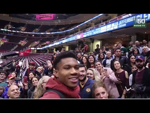 Giannis Antetokounmpo Meets Hundreds of Fans in Cleveland