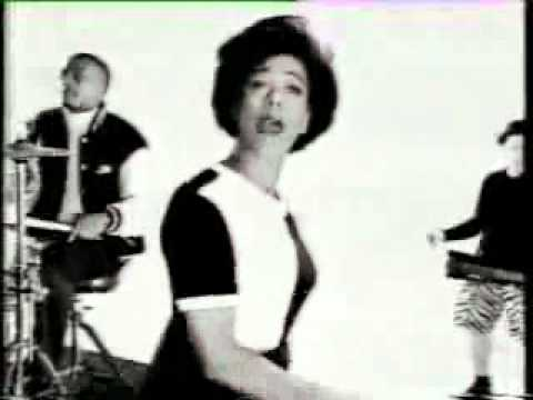 The Selecter - On My Radio (OFICIAL)
