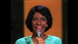 #nowwatching @NatalieCole LIVE - Love On My Mind