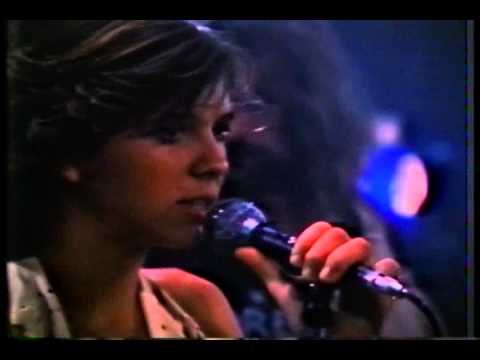 """Kristy McNichol Sings in a Scene From The 1981 Film """"The Night the Lights Went Out in Georgia"""""""