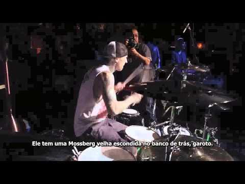 Yelawolf ft Travis Barker  -  Pop The Trunk LIVE Legendado
