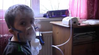 2012-01-06 Дышим в ингалятор(, 2012-01-06T12:06:50.000Z)