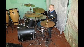 Swing  Drum Solo - 12 squares - 48 tacts - Drummer Ilya Varfolomeyev 9 years and THE HYPNOTUNEZ