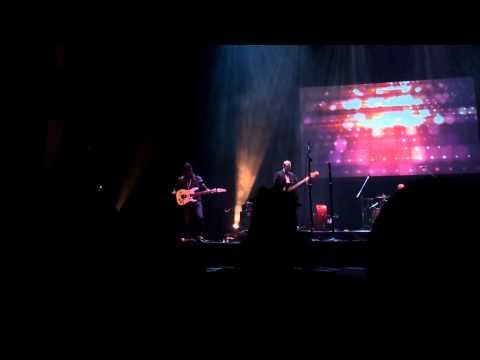 Lincoln Brewster - Miraculum (Christmas Eve Performance 2014 - KV Church)