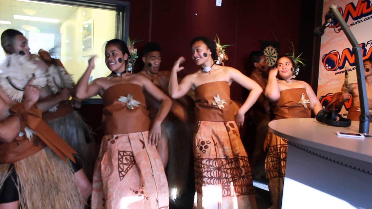 Fijian Meke (Dance) Santa Ana Fijian Youth Group