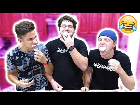 TRY NOT TO LAUGH... CHUBBY BUNNY CHALLENGE WITH UNSPEAKABLEGAMING & MOOSECRAFT!