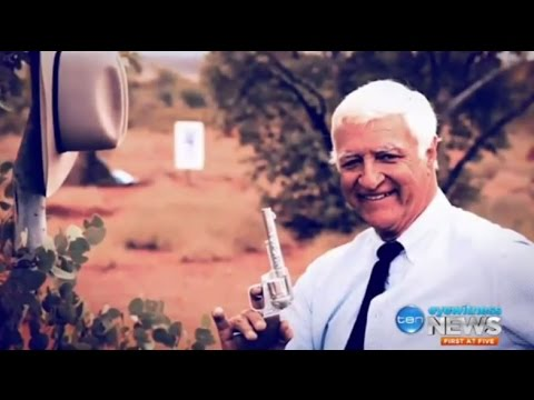 Bob Katter shoots 2 dead in ad, didn't know about Orlando shooting & doesn't watch the news