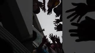 全員マスク着用 手と手は触れあわず 円陣を組み 聖子さん・聖子さんツアーファミリーへ コンサートのSEIKOを願い エールを贈りました #松田聖子 #SEIKOMATSUDA #夏の ...