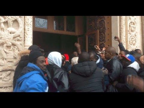Des Clandestins envahissent la Basilique Saint Denis