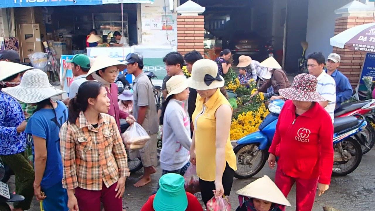 Ngày rằm chợ Đại Lãnh