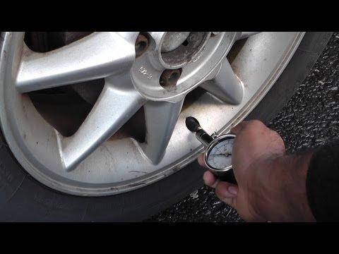Check Tire Pressure >> How To Check Tire Pressure Checking Tire Pressure Youtube