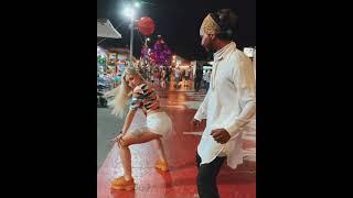 Mini Etekle Sokakta Twerk ( Kucak Dans ) Yapıyor // Açıklamayı Oku
