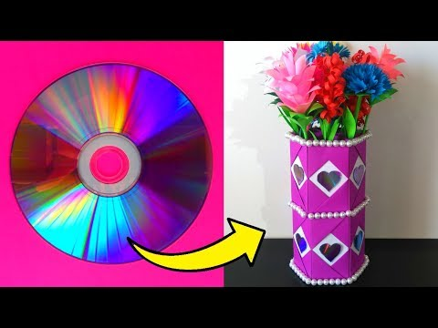 How to make a paper vase and recyclable material. Easy to do crafts