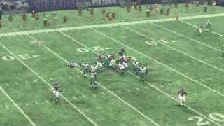 Madden 09 - T. Jackson to B. Berrian for TD with a nice block
