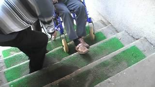 онкологическая больница в Твери(Вот такие спуски в онкологической больнице! В городе Твери в онкологическую больницу могут попасть только..., 2012-04-26T15:05:16.000Z)