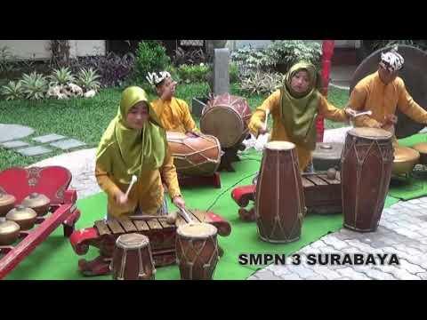 SMPN 3 Surabaya (SPEGA LARAS)