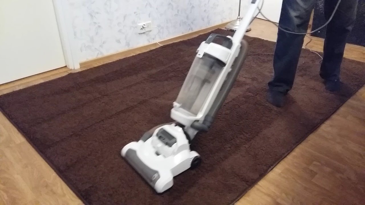 Simple Value Bagless Upright Vacuum Cleaner Vacuuming Shag Rugs Youtube
