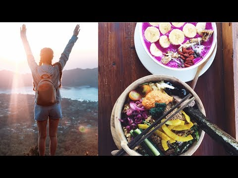 UBUD VLOG // VEGAN FOOD WE ATE (a lot) + Workout & Adventures!