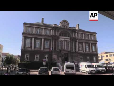Police target migrant smugglers in France