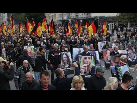 Thousands join rival protests in Chemnitz | Germany, after man stabbed to death