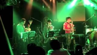 2013年3月に渋谷Vuenosにて行われた「めっちゃ踊りに来ませんか?」にゲ...