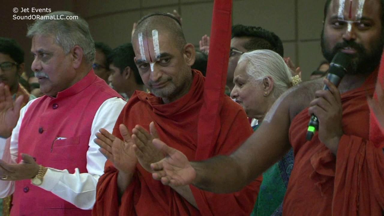 Ahobila Swamiji & devotees singing Sri.Ramanuja Keerthana at Sashtipoorthi Celebrations.