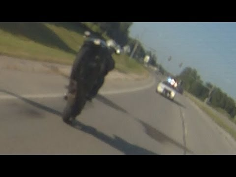 Epic Police Chase Motorcycle Stunt Riders Clown COP Bikers Escape Officer 5.0 Blox Starz