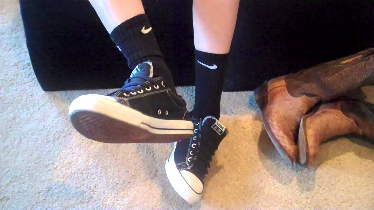 Shoeplay with Converse skater sneaks