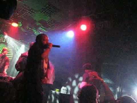 Das Efx - Straight Out The Sewer / Baknaffek Live