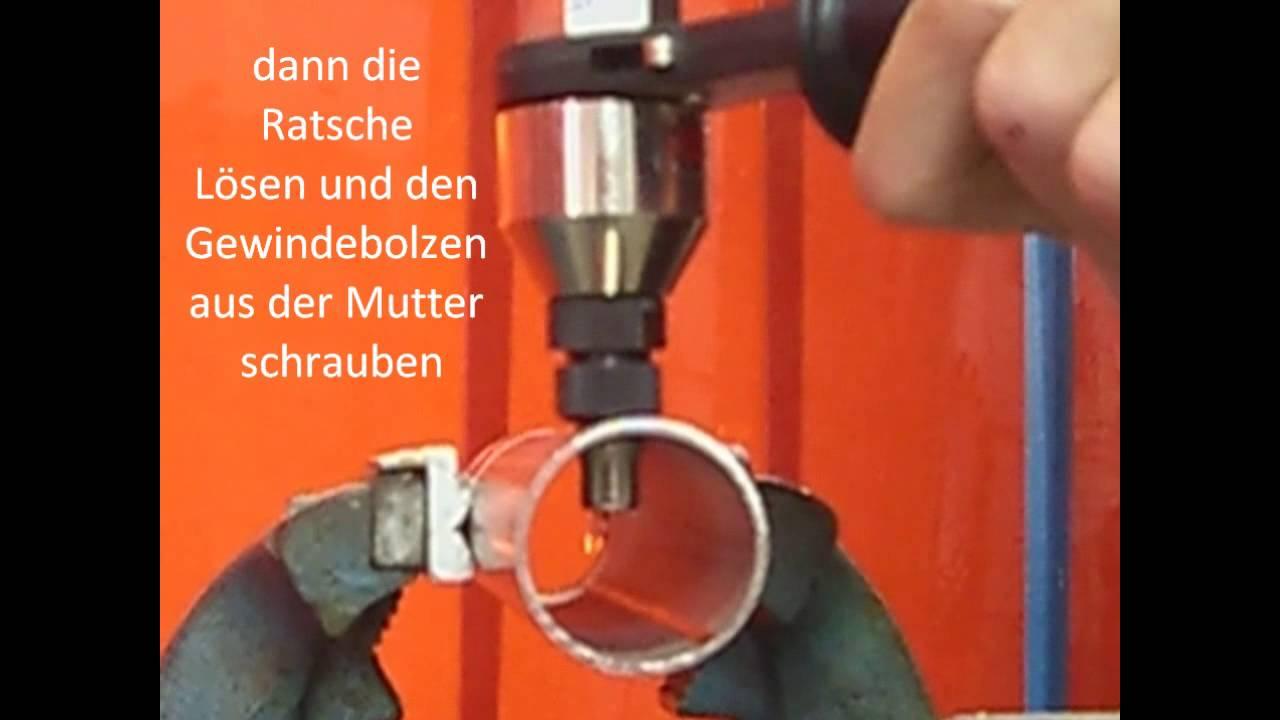 Blindnietmutter Ohne Zange Befestigen : veranschaulichung montieren setzen einer edelstahl ~ Watch28wear.com Haus und Dekorationen