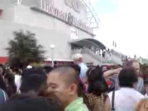 Wowowee Las Vegas Outside the Thomas & Mack Center