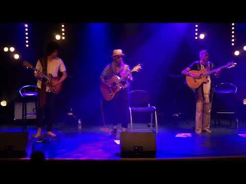 MALAGASY GUITAR MASTERS - VALIHA MALAZA live au Hangar
