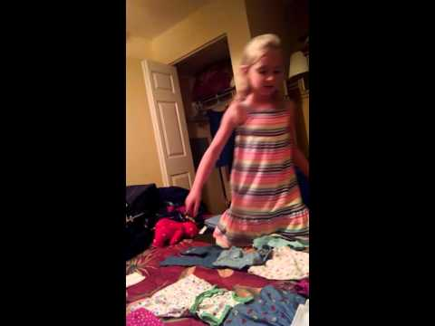 Alorah's American Girl Doll Clothing Session: Preparing for the Beach