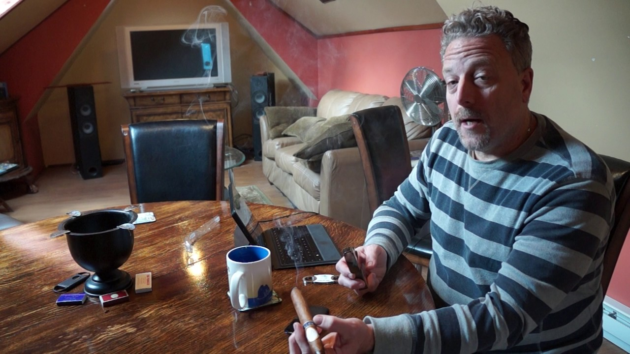 Man Cave Review : Davidoff royal release salomones cigar review room
