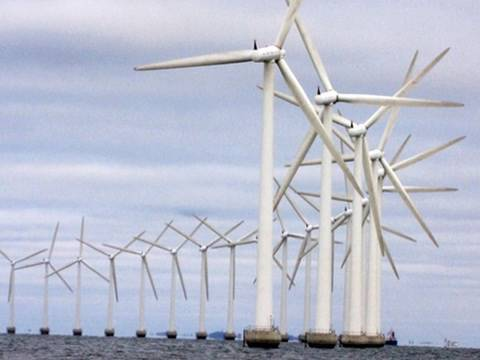 A Look at Floating Wind Farms: Harnessing Offshore Energy