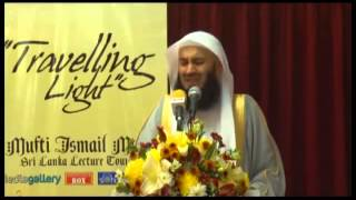 Muft menk - (EMOTINAL)- What are you reading in your SALAH? Thumbnail