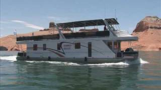 Why A Houseboat On Lake Powell