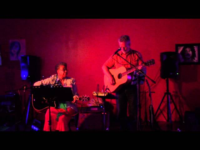 Chris and Daya Devi-Doolin (aka Level Seven) live at Blu Gathering