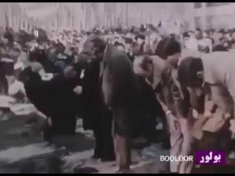 شاهد من صلى جوار الخميني بأول صلاة جمعة عقب الثورة في إيران؟