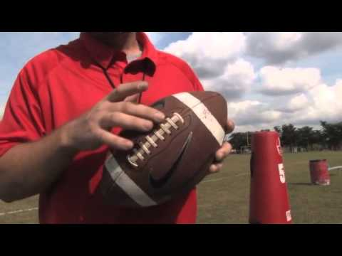 How To Throw Football