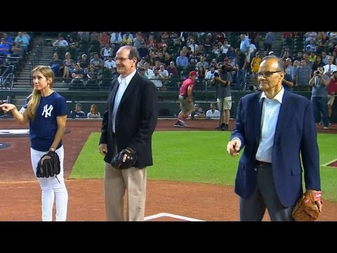 Torre, Brenly, catch ceremonial first pitch