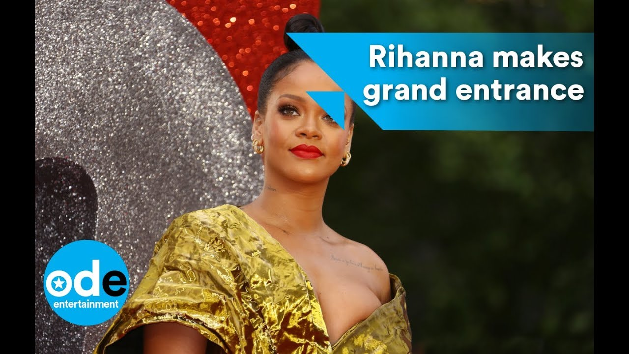 88add5e17d0 Rihanna makes grand entrance at Ocean s 8 premiere - YouTube