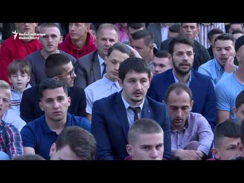 Muslims In Kosovo Celebrate Eid al-Fitr