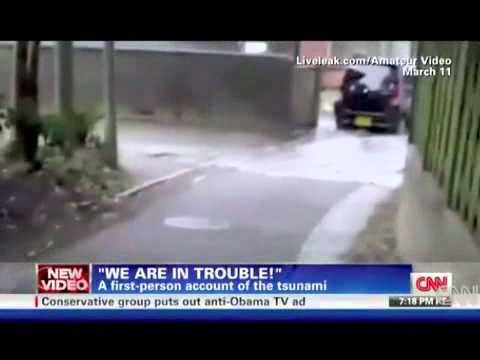 Liều mạng đối diện với sóng thần.flv