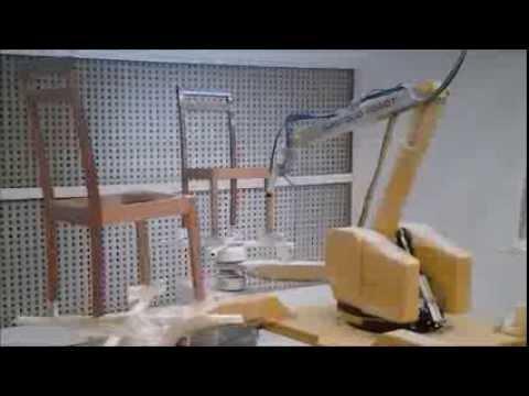 EPISTOLIO ROBOT  Verniciatura Sedie Painting Chairs