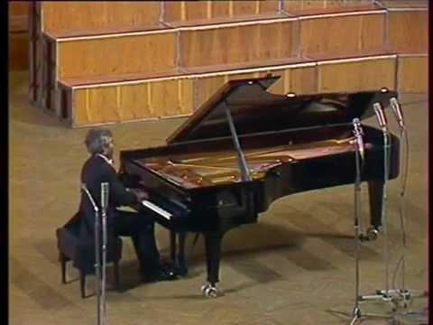 Lev Vlassenko plays Beethoven Piano Sonata no. 8 - finale - video